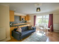 Borough Tube Station-Large 1 Bedroom Apartment-Available Now!