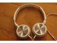 Sony MDR-ZX300 Headband Headphones - White On Ear Headphones Adjustable Headband Used
