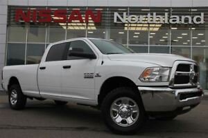 2017 Ram 3500 SLT/Tow Hitch/4X4/USB/Back Up Camera