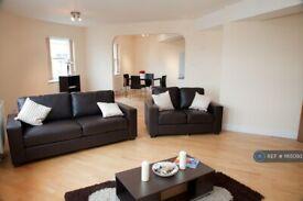 2 bedroom flat in City Road, London, EC1V (2 bed) (#1165093)