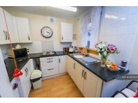 Studio flat in Millar Park, Hamilton, ML3 (#890976)