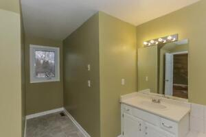 189 Homestead Cres. - 3 Bedroom Townhome for Rent London Ontario image 15