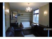 2 bedroom flat in Park View Road, London, N17 (2 bed)