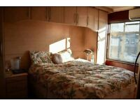 *LARGE SPACIOUS FURNISHED DOUBLE ROOM AVAILABLE FOR INSTANT VIEWING**