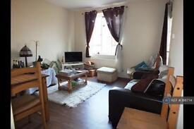 2 bedroom flat in Vermont Road, London, SW18 (2 bed)