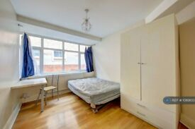 4 bedroom house in Oaklea Passage, Kingston Upon Thames, KT1 (4 bed) (#1069103)