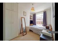 3 bedroom flat in Axminster Road, London, N7 (3 bed)