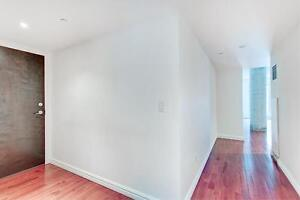 2 bedroom with balcony between Old Montreal and Downtown