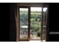 2 bedroom flat in Wakefield Road, Sowerby Bridge, HX6 (2 bed)