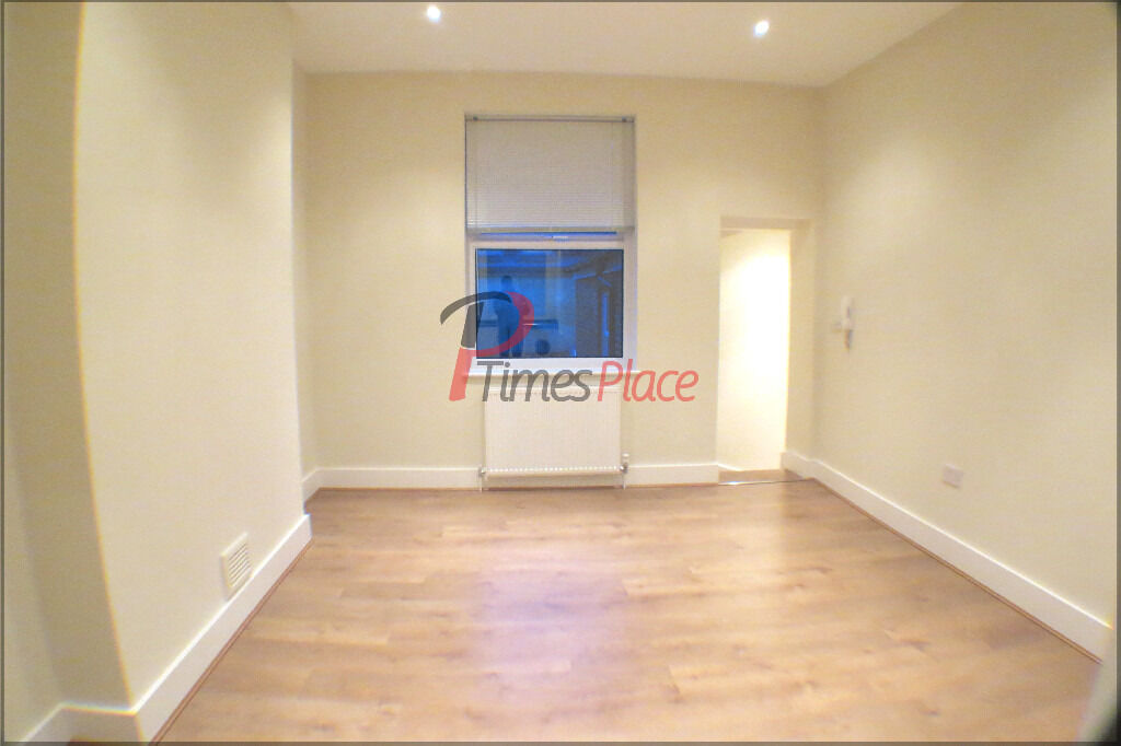 ***Two double bedroom modern apartment for only £1,300 per month***