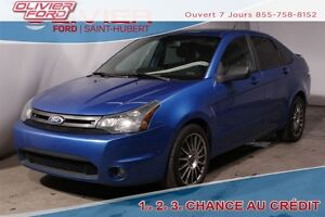 2010 Ford Focus SES AUTO CUIR TOIT BLUETOOTH MAGS A/C