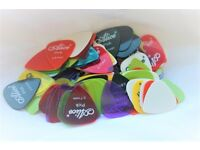 £1.39 for 10 x GUITAR PICKS PLECTRUM ELECTRIC ACOUSTIC BASS Assorted Colours !BARGAIN!