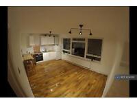2 bedroom flat in Eglinton Hill, London, SE18 (2 bed)