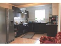 ***SPACIOUS DOUBLE ROOM FOR COUPLE AND SINGLES***ALL BILLS INCLUDING***