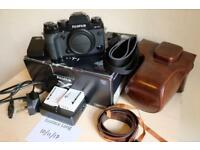 Excellent condition Fuji X-T1 Boxed