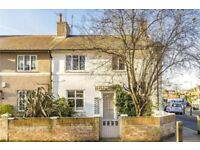 3 Bedroom House to Rent in Barnes on 3 MONTH LET