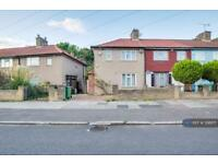3 bedroom house in Oakridge Road, Bromley, BR1 (3 bed)