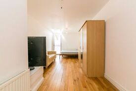 STUNNING 3 BEDROOM, EAT-IN KITCHEN, ROLL OUT OF BED AND FIND YOURSELF IN CLAPHAM NORTH STATION!