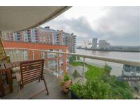 1 bedroom flat in Blackwall Way, London, E14 (1 bed) (#1168278)