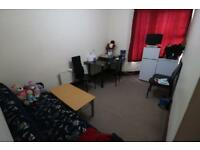 2 bedroom flat in Elizabeth Road, East Ham