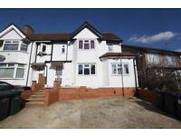 3 bedroom flat in Renters Avenue, Hendon, NW4