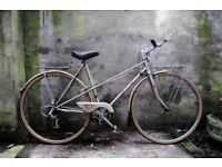 RALEIGH MISTY. 21 inch, 51 cm.Vintage ladies womens dutch style, mixte frame road bike, 5 speed
