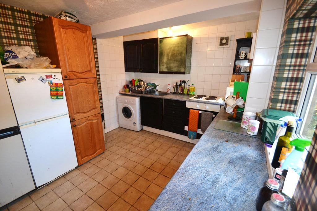 5 bedroom house in Gordon Road, Cathays, Cardiff