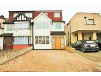 6 bedroom house in Holmfield Avenue, Hendon, NW4