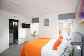 1 bedroom in Stafford Street, Swindon, SN1 (#1171921)