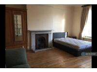 1 bedroom in Tressillian Crescent, London, SE4