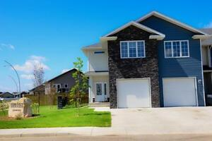 Double car garage luxury townhouse in Evergreen