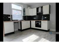 2 bedroom house in Fielding Street, Middleton, Manchester, M24 (2 bed)