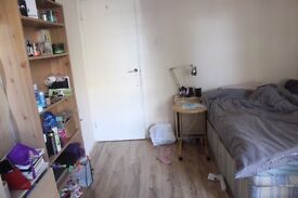 TOWERHILL :ZONE 1 ( 1 SNGLE ROOM)) £150PW INCL