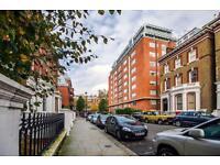 Studio flat in Old Brompton Road, South Kensington, SW7