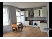 2 bedroom flat in Fordel Road, London, SE6 (2 bed)