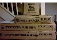 Toyota ks787 knitting machine, kr460 ribber, k31 knit tracer, lace carriage,