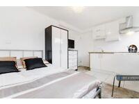 1 bedroom in Crefeld Close, London, W6 (#978000)