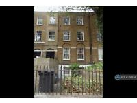 3 bedroom flat in Clapham Road, London, SW9 (3 bed)