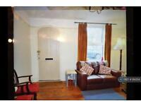 4 bedroom house in Belle Vue Road, Wivenhoe, CO7 (4 bed)