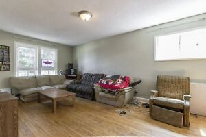 185 Regina - Students! 8 Month! Full detached house! Walk to...