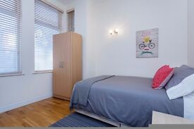 1 room available in modern house 5 mins from Ealing Common station, W3 9RG