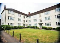 3 bedroom flat in Buckingham Court, Watford Way, Hendon NW4