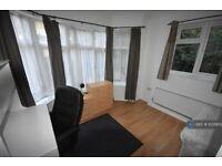 3 bedroom flat in Burgess Road, Southampton, SO16 (3 bed) (#1035852)