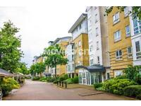 3 bedroom flat in St Davids Square, Isle of Dogs, Canary Wharf