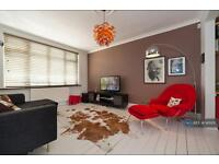 3 bedroom house in Deans Drive, Edgware, HA8 (3 bed)