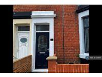3 bedroom flat in Gladstone Street, Hebburn, NE31 (3 bed) (#1211844)