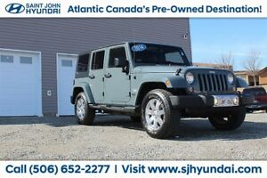 2014 Jeep WRANGLER UNLIMITED Sahara! 4X4! 6 SPEED! NAVIGATION