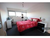 3 bedroom flat in Argyle Road, Stratford, E15 (3 bed)
