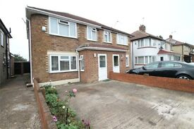 IMMACULATE 3 BEDROOM SEMI-DETACHED HOUSE, 2 BATHROOMS, REAR EXTENSION AND OVER 100ft LONG GARDEN