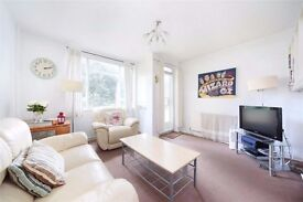 Clapham- 3 Double bedroom flat near Clapham Common, Gardens, car park, bike storage.No agency fees!